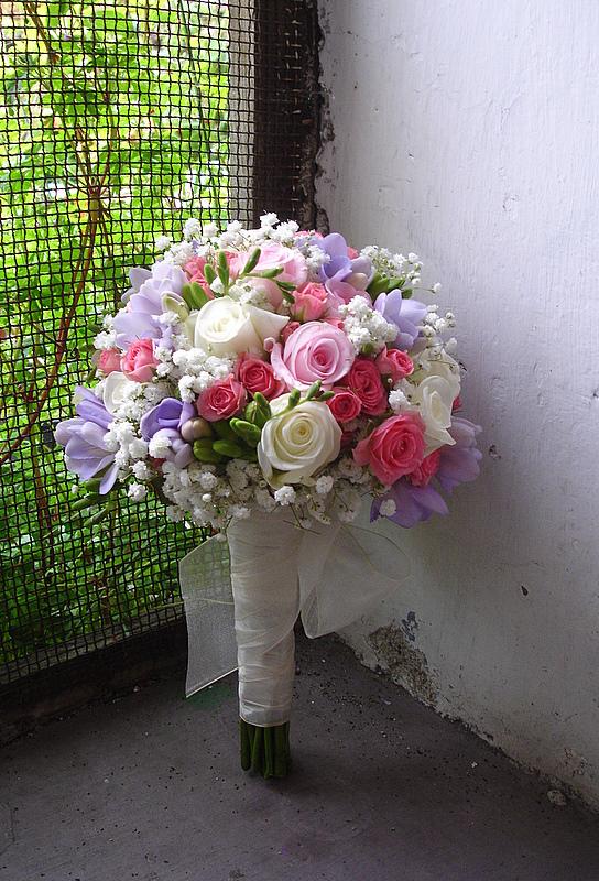 Ramo de novia de flores variada
